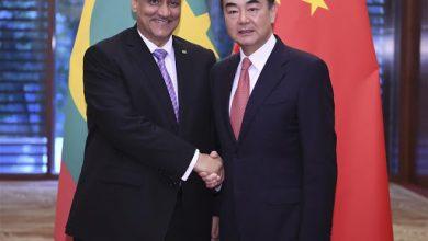 صورة مع تسلم اللقاحات.. الخارجية تثمن دعم الصين لموريتانيا