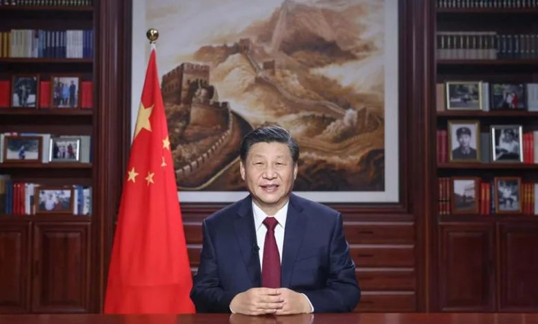 صورة خطاب الرئيس شي: استمرار الإنجازات و تعزيز الانفتاح و تحية للطواقم الطبية