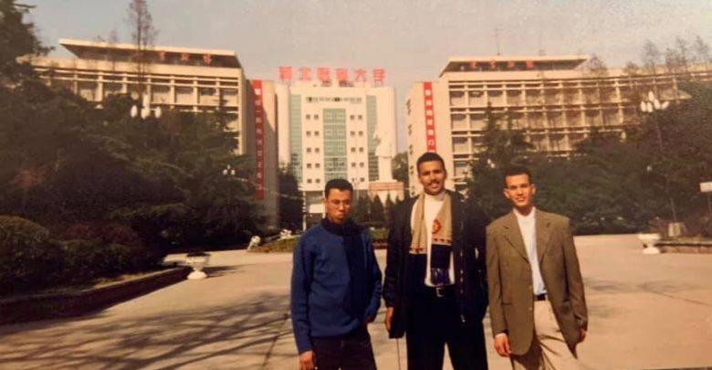 صورة فيديو: موريتاني من خريجي جامعات ووهان يوجه رسالة باللغة الصينية للمدينة و للصين بشكل عام